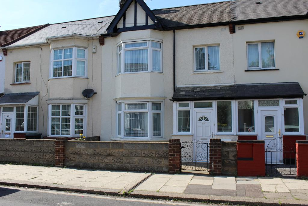 3 Bedrooms Terraced House for sale in Campbell Road, Gravesend DA11