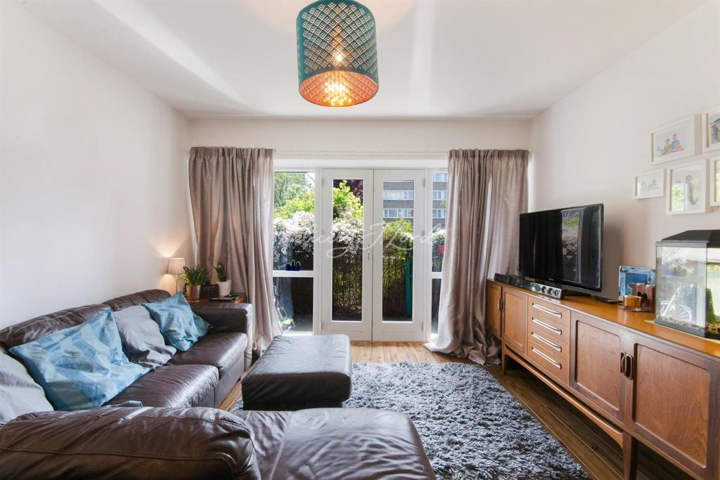 3 Bedrooms Flat for sale in Stepney Way, Stepney, London, E1