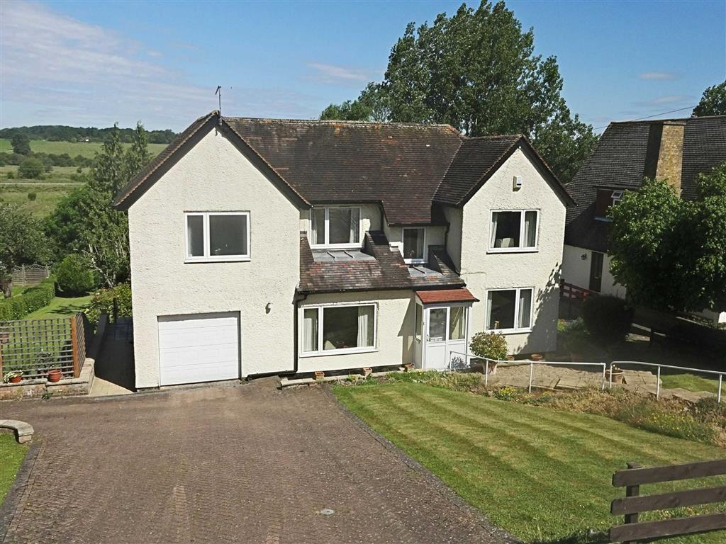 4 Bedrooms Detached House for sale in Ware Road, Hertford, Herts, SG13