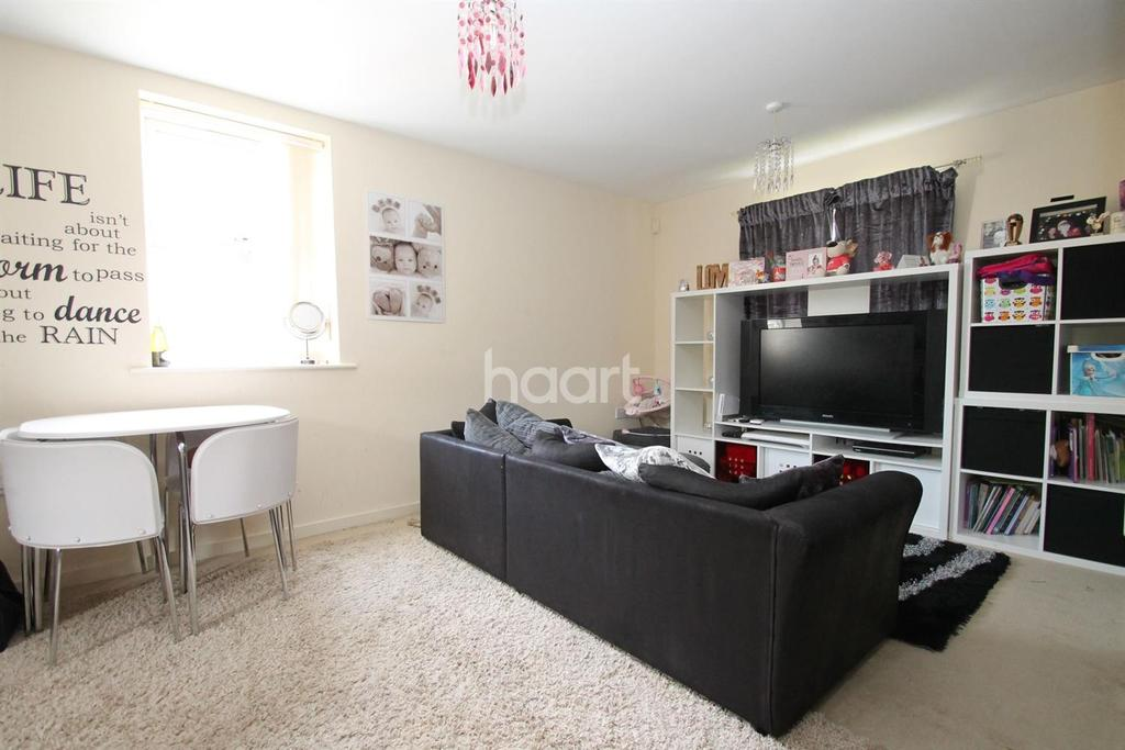 2 Bedrooms Flat for sale in Malsbury Avenue, Scraptoft, Leicester