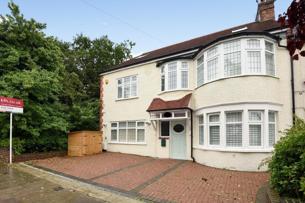 5 Bedrooms Semi Detached House for sale in Blake Road, Bounds Green, N11