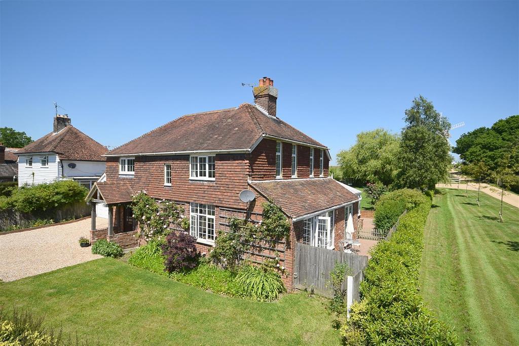4 Bedrooms Detached House for sale in Sandhurst, Cranbrook