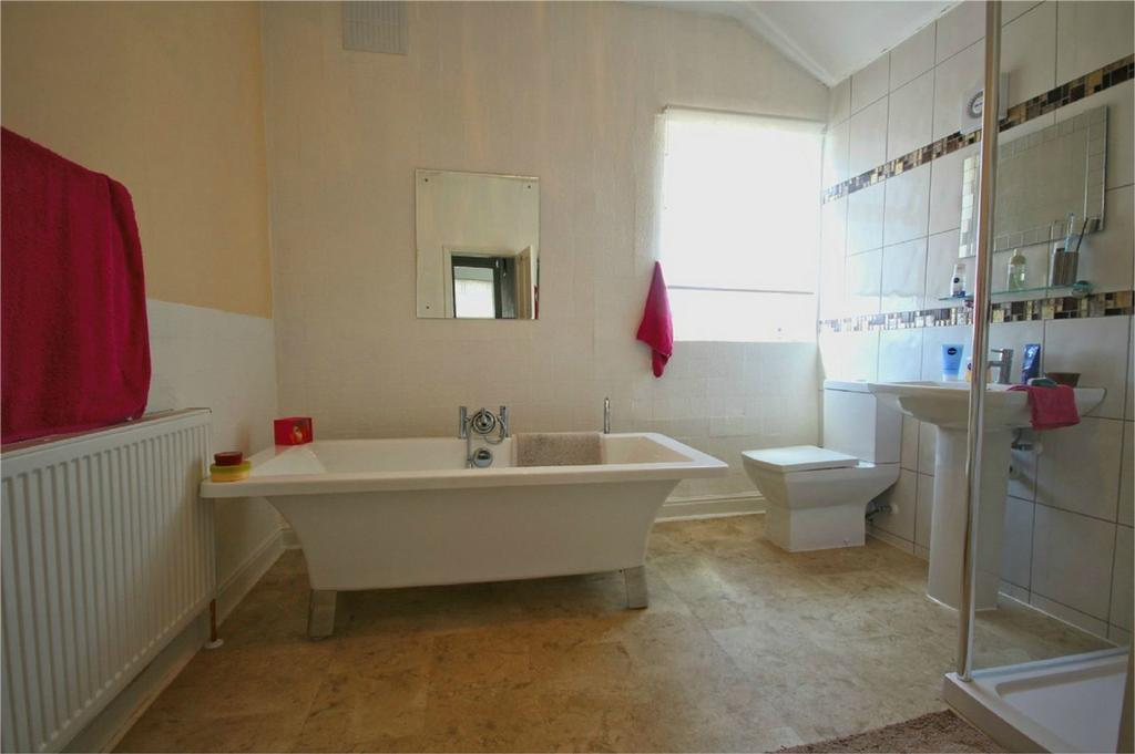 3 Bedrooms End Of Terrace House for sale in Alliance Avenue, Hull, East Riding of Yorkshire