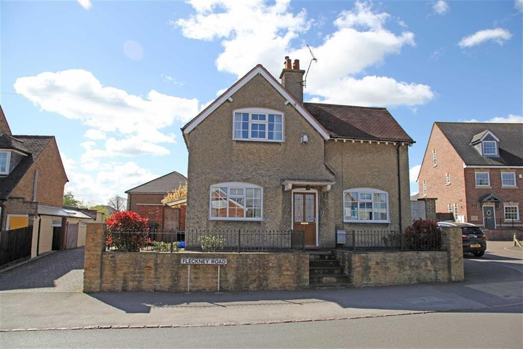 3 Bedrooms Detached House for sale in Fleckney Road, Kibworth