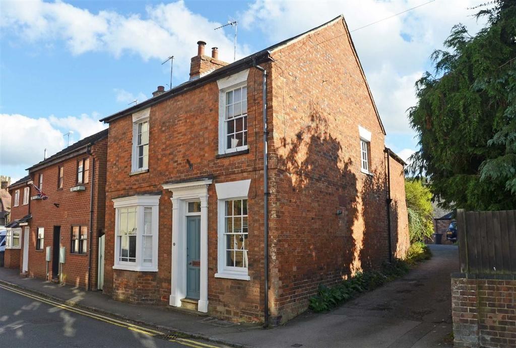3 Bedrooms Detached House for sale in Park Street, Towcester