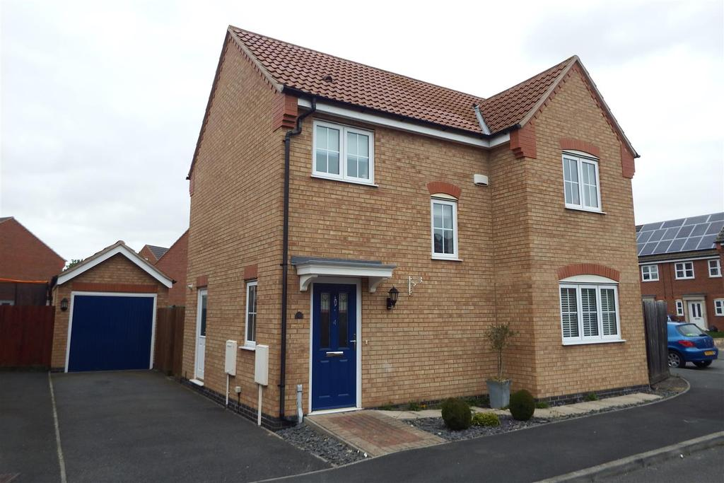 3 Bedrooms Detached House for sale in Cortez Close, Spalding