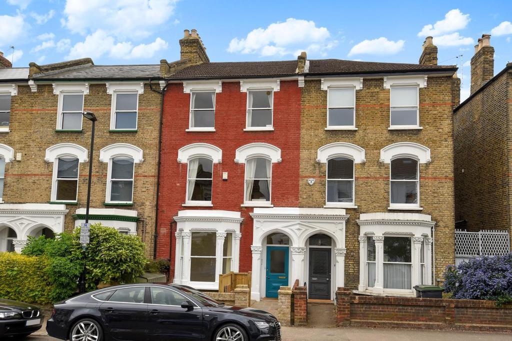2 Bedrooms Flat for sale in Lancaster Road, Stroud Green, N4