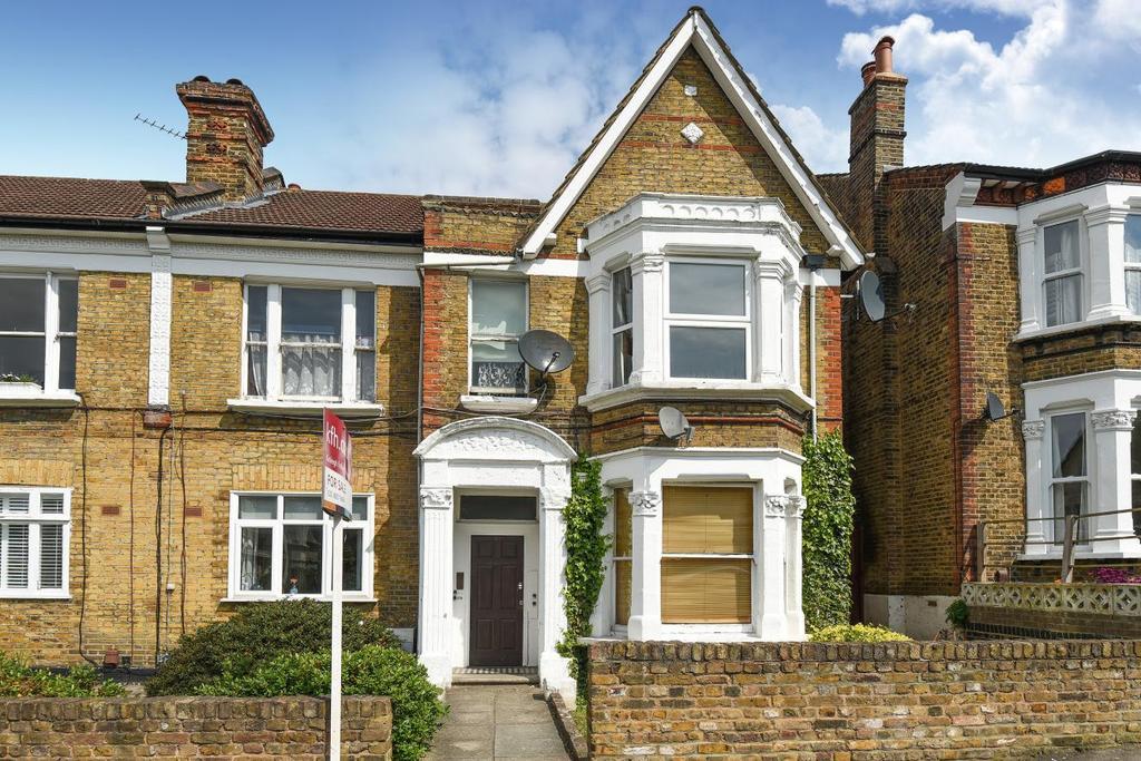2 Bedrooms Flat for sale in Slaithwaite Road, Lewisham, SE13