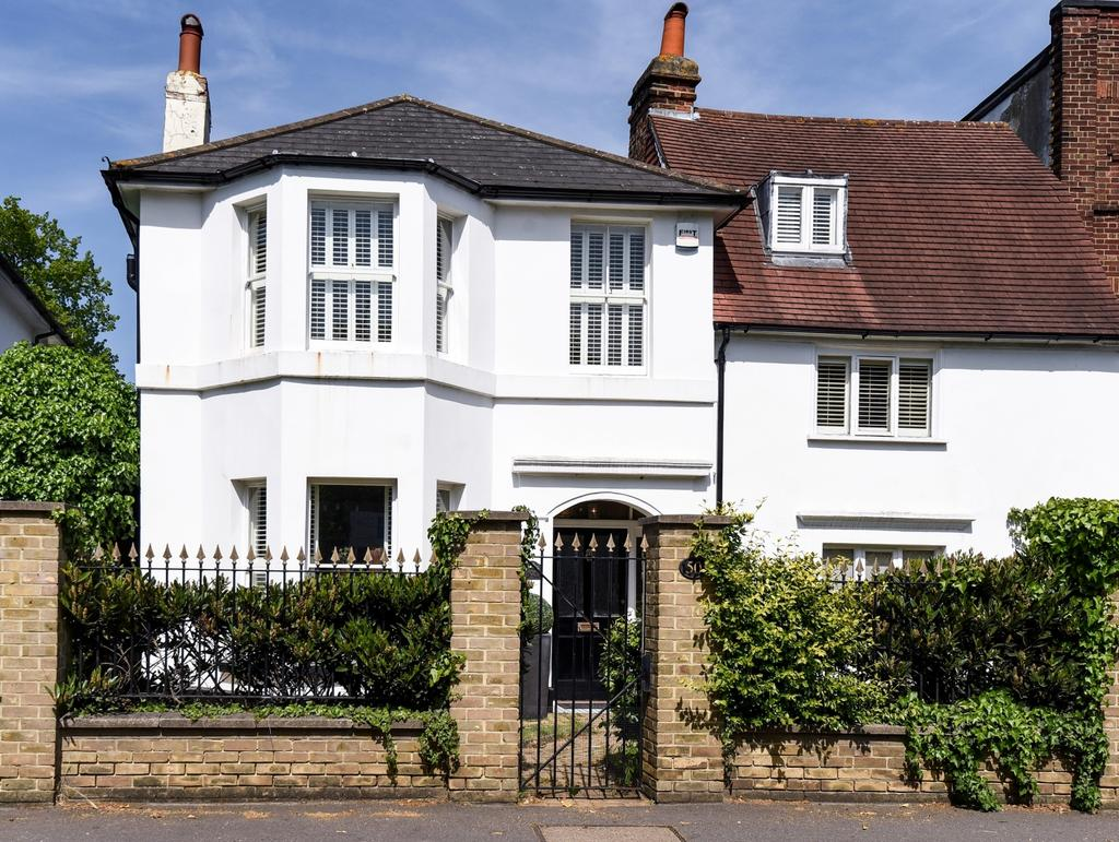 3 Bedrooms Detached House for sale in Halfway Street Sidcup DA15
