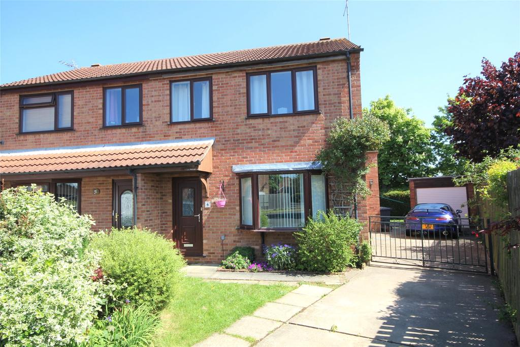 3 Bedrooms Semi Detached House for sale in Ashbourne Close, Sleaford, NG34