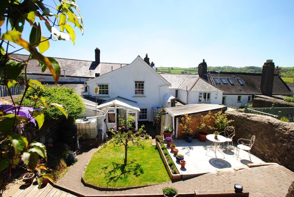 4 Bedrooms Terraced House for sale in Mill Street, Torrington