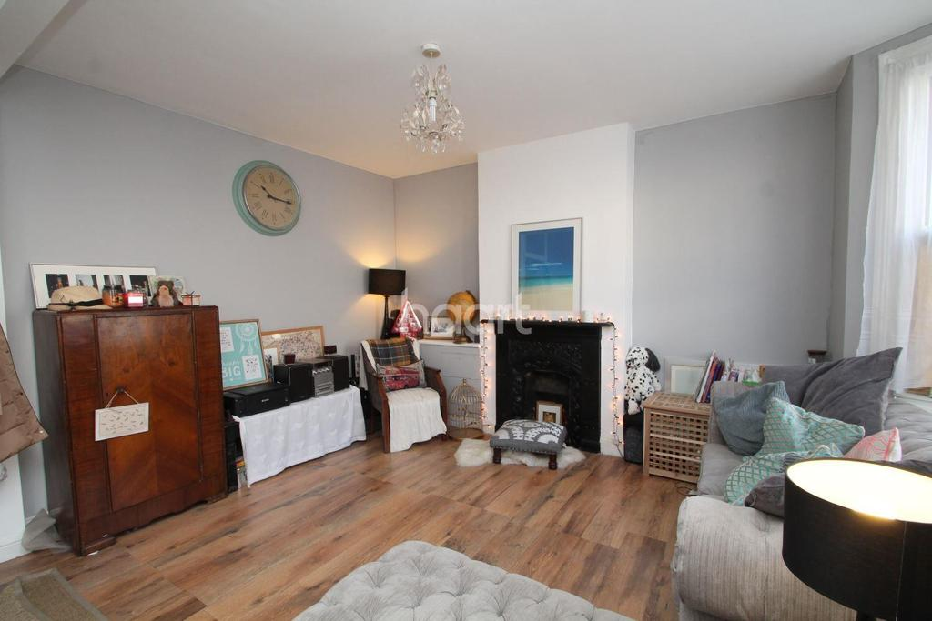 3 Bedrooms Terraced House for sale in Dennett Road, CR0