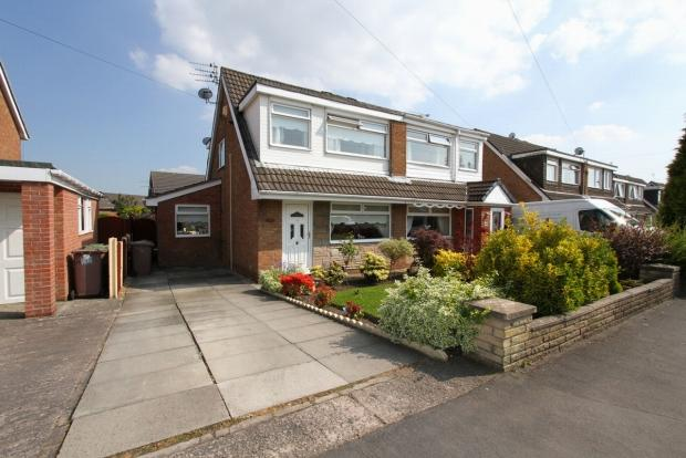 3 Bedrooms Semi Detached House for sale in Victoria Road Ashton In Makerfield Wigan