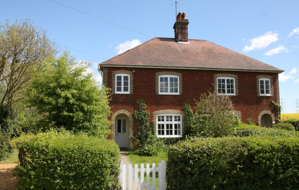 3 Bedrooms Cottage House for sale in Knodishall, Nr Saxmundham, Suffolk