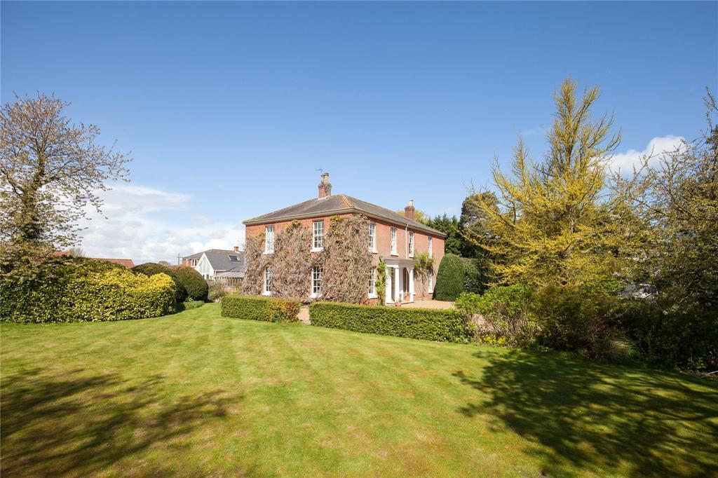 5 Bedrooms Detached House for sale in Vicarage Lane, Tunstead, Norfolk, NR12