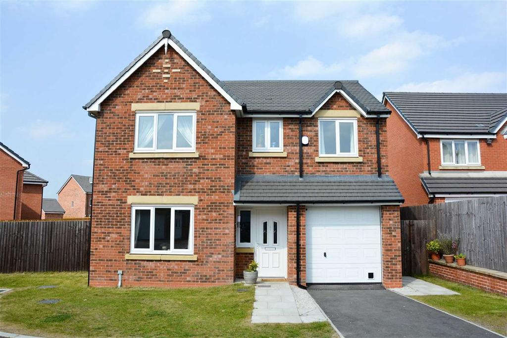 4 Bedrooms Detached House for sale in Almond Pastures, Standish, Wigan, WN6