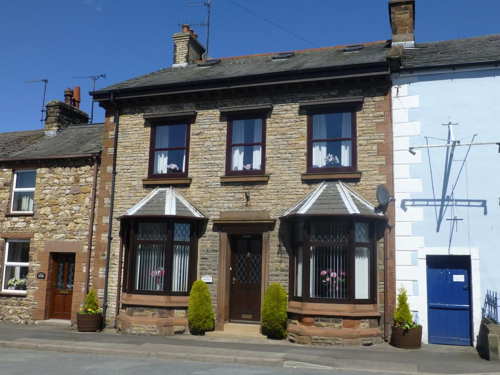 3 Bedrooms Terraced House for sale in Hamara, Brough