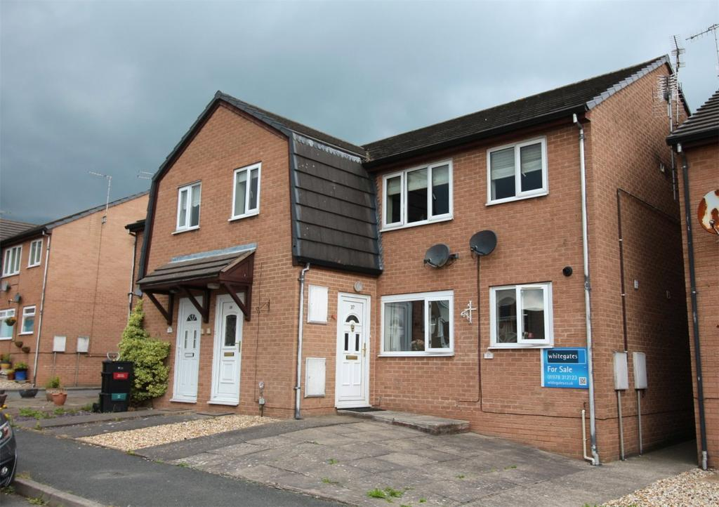 2 Bedrooms Apartment Flat for sale in Aldergrove Place, Coedpoeth, Wrexham, LL11