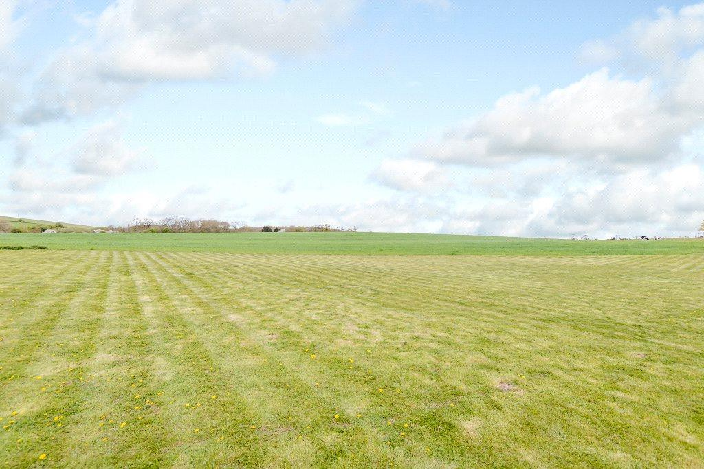 Land Commercial for sale in North Heath, Chieveley, Newbury, Berkshire, RG20