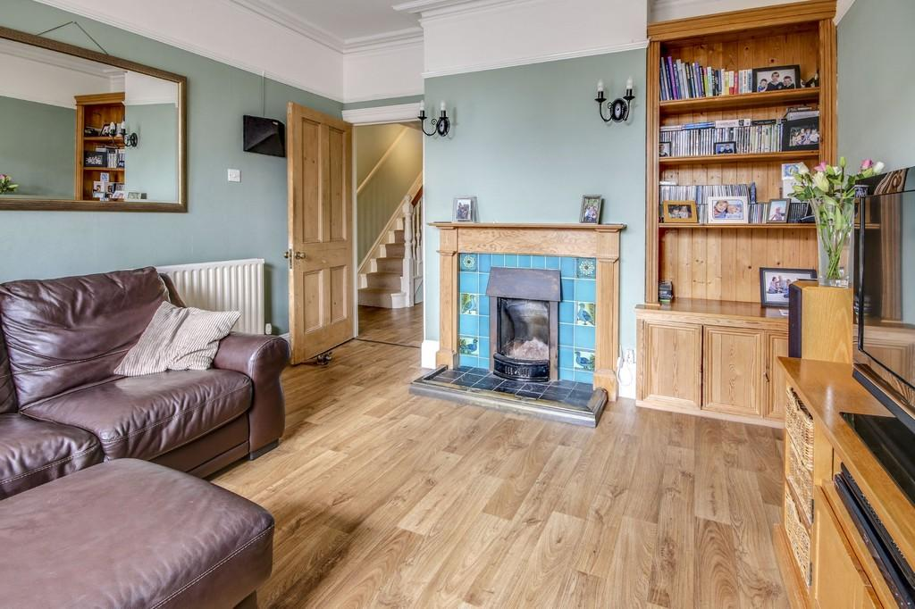 5 Bedrooms Semi Detached House for sale in Shoreham-by-Sea
