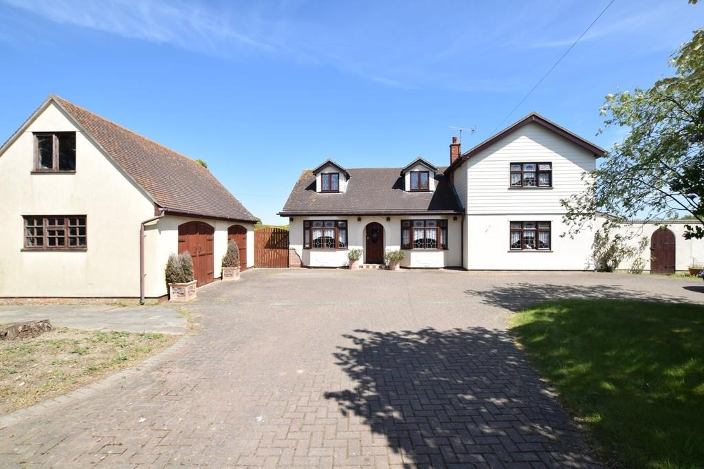 5 Bedrooms Detached House for sale in Thorrington