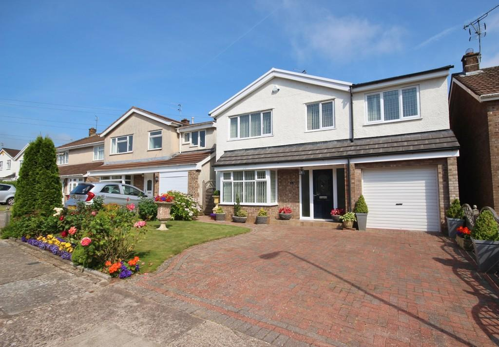 4 Bedrooms Detached House for sale in Sycamore Tree Close, Radyr, Cardiff
