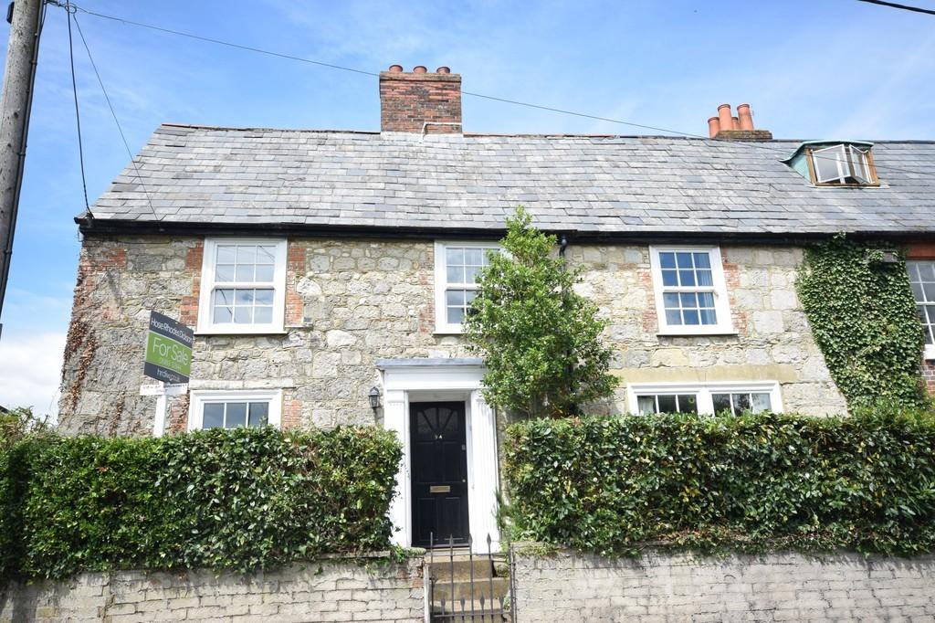 4 Bedrooms Cottage House for sale in Carisbrooke High Street, Newport