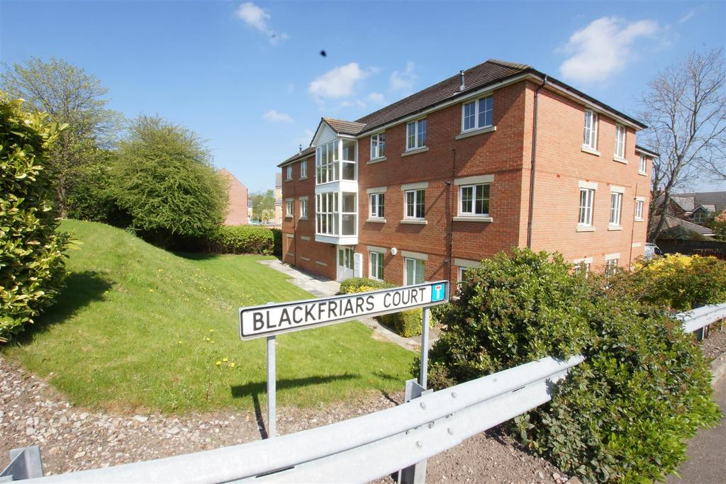 2 Bedrooms Apartment Flat for sale in Blackfriars Court, Road, Mold CH7 1DH
