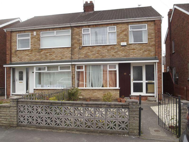 3 Bedrooms Semi Detached House for sale in St Martins Avenue, Hull