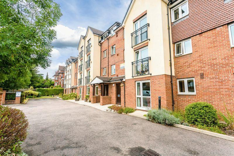 1 Bedroom Retirement Property for sale in Foxley Lane, Purley