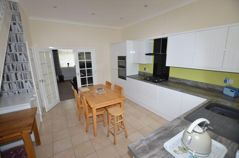 3 Bedrooms Terraced House for sale in Whitelees Road, Littleborough