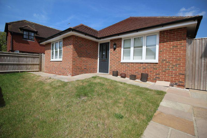 3 Bedrooms Detached Bungalow for sale in Magnolia Court, Henfield Road, Albourne, Hassocks