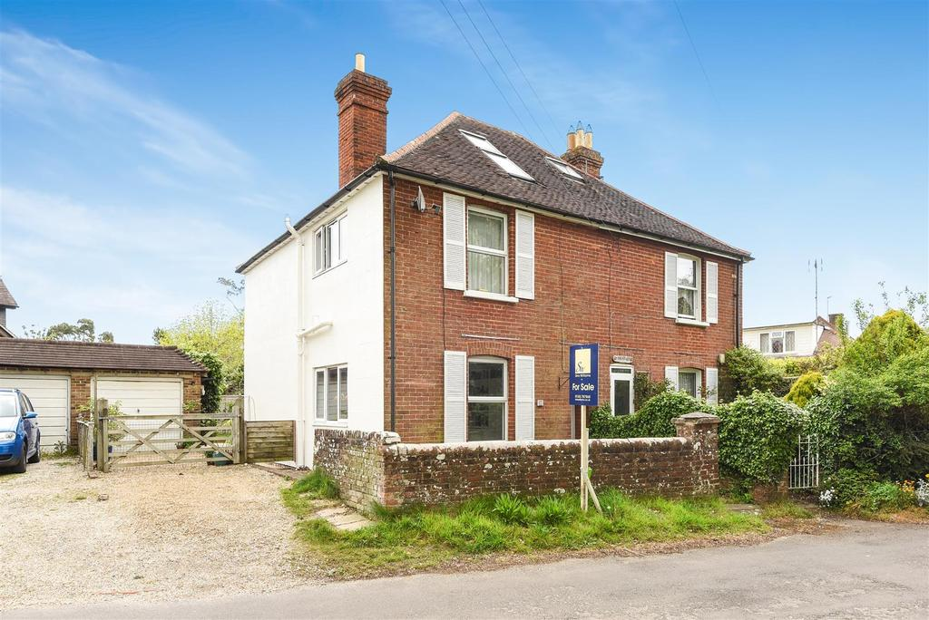 3 Bedrooms Semi Detached House for sale in Mill Lane, Runcton