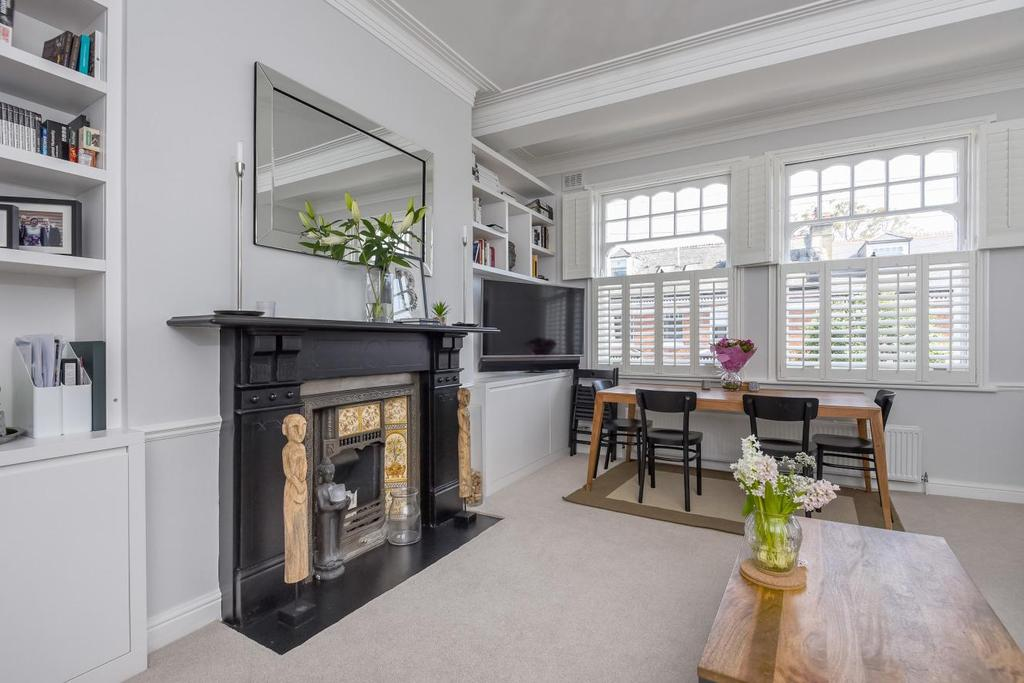 2 Bedrooms Flat for sale in Veronica Road, Balham, SW17