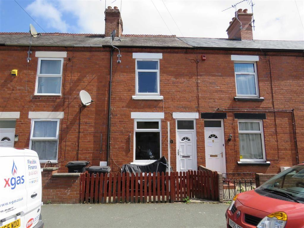 2 Bedrooms Terraced House for sale in Empress Road, Wrexham, LL13