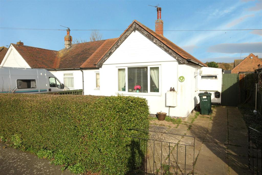 2 Bedrooms Semi Detached Bungalow for sale in 4 Long Acre, Mablethorpe
