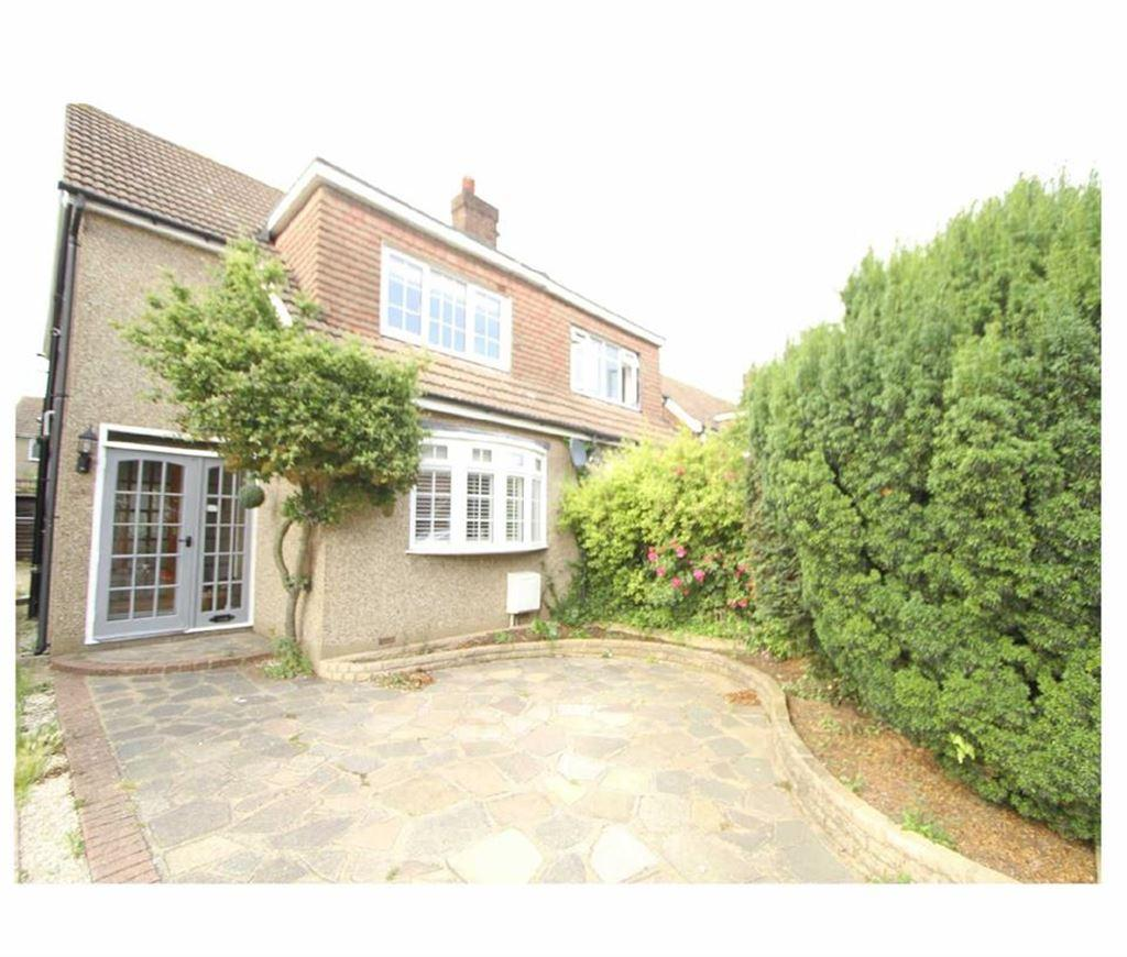 3 Bedrooms Semi Detached House for sale in Trinity Road, Billericay, Essex, CM11 2PT