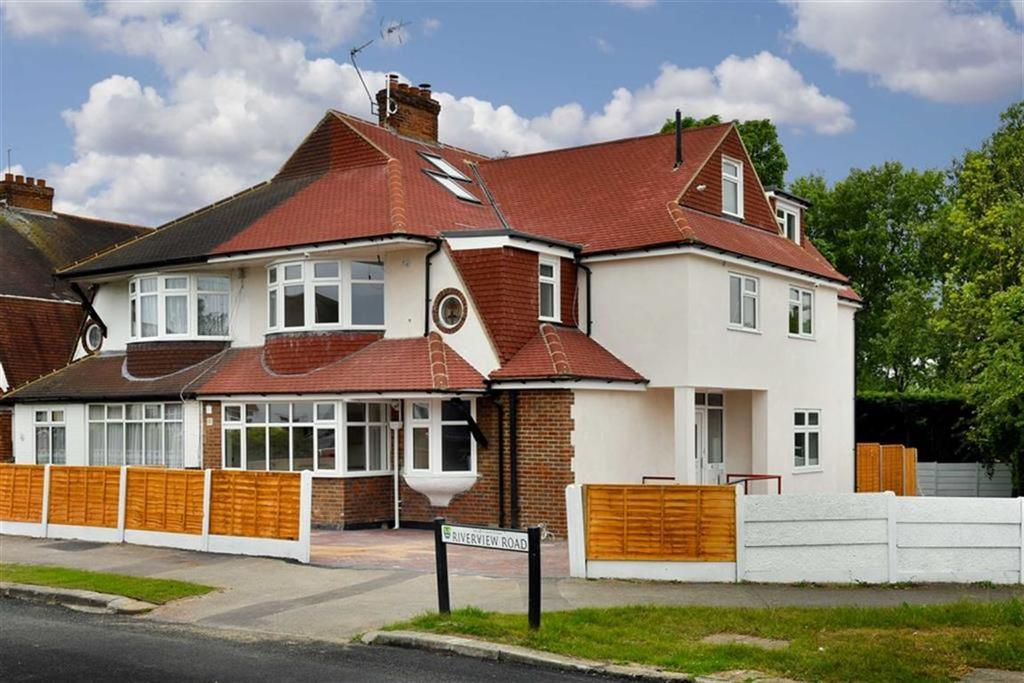 1 Bedroom Flat for sale in Riverview Road, Ewell, Surrey