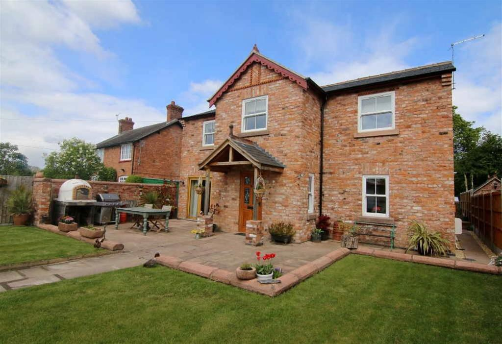4 Bedrooms Detached House for sale in Chester Road, Nomans Heath