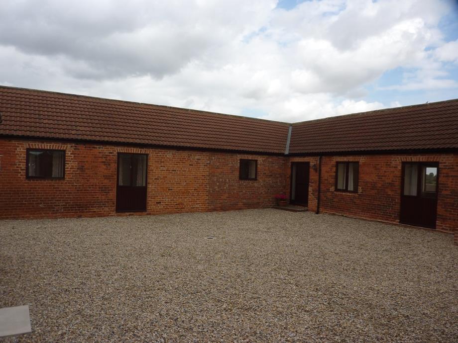 3 Bedrooms Detached Bungalow