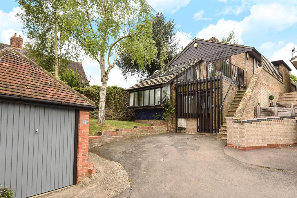4 Bedrooms Detached Bungalow for sale in The Hill, Garsington