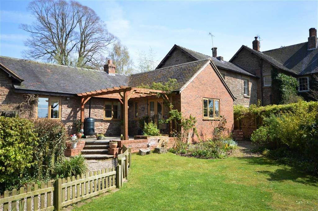 Bluff cottage docklow manor leominster docklow for Cottages and bungalows for sale