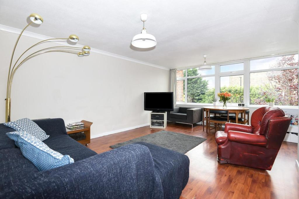 3 Bedrooms Terraced House for sale in White Lodge, Crystal Palace, SE19