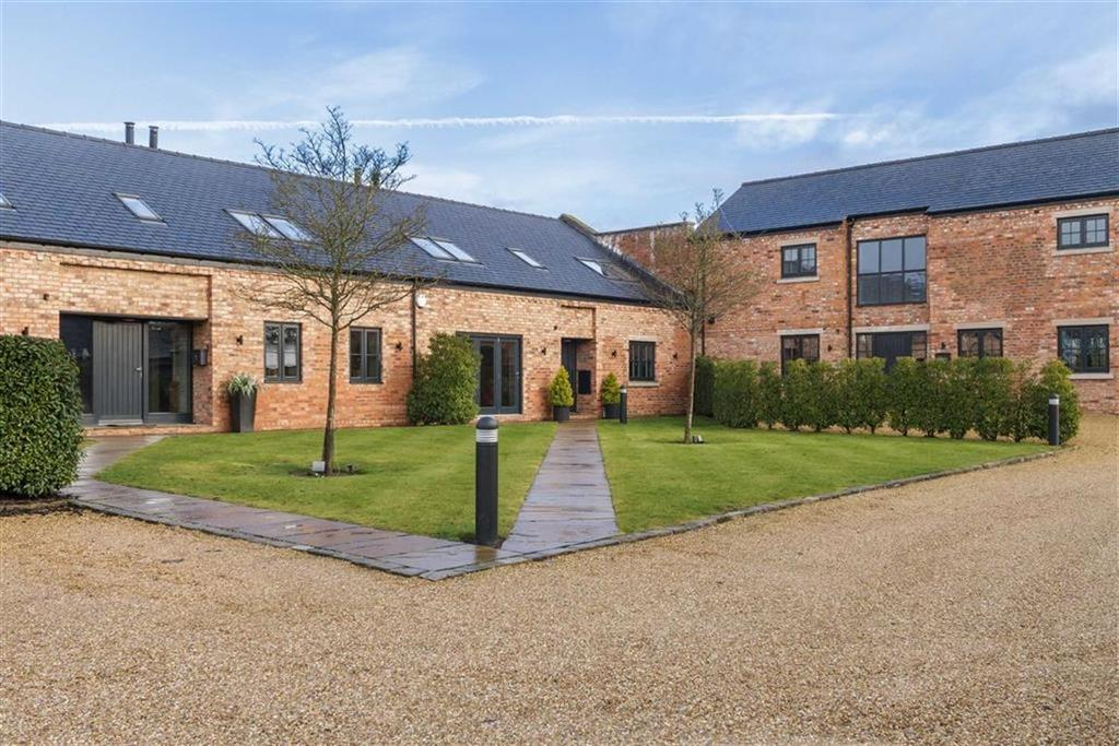 4 Bedrooms Mews House for sale in Horton Hall Barns, Tarvin, Cheshire, CH3