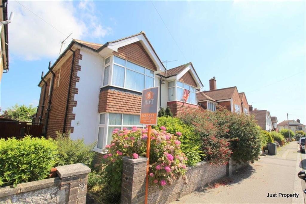 3 Bedrooms Semi Detached House for sale in Burry Road, St Leonards On Sea