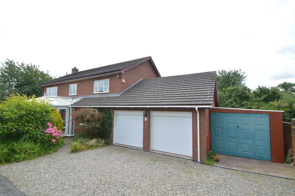4 Bedrooms Detached House for sale in 1 Bowbrook Gardens, Bowbrook, Shrewsbury SY3 5BS