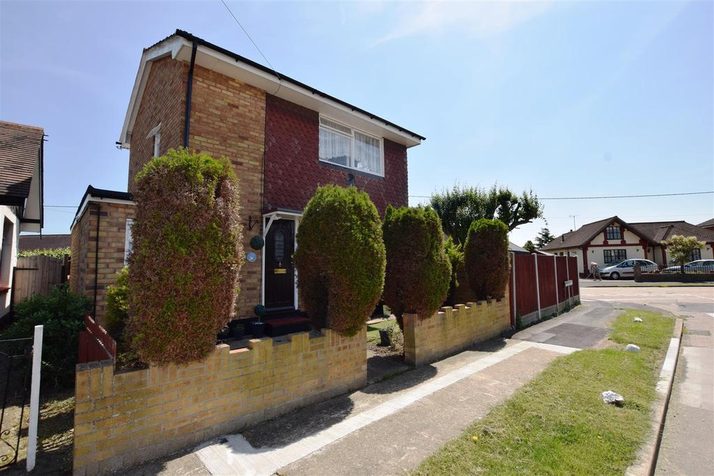 2 Bedrooms House for sale in Runnymede Road, Canvey Island