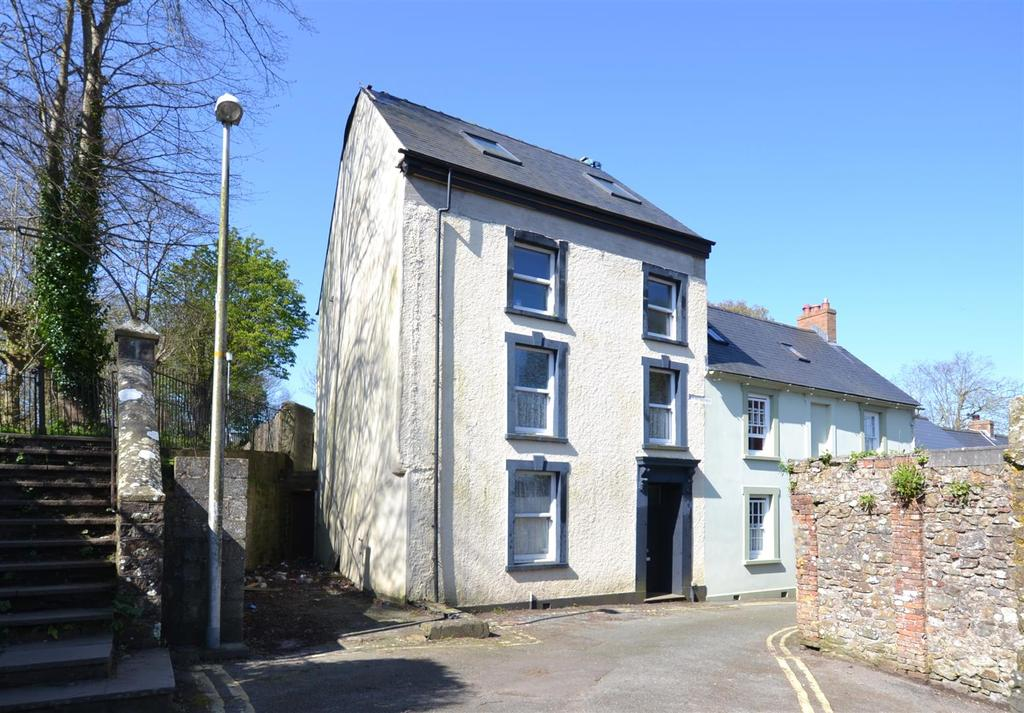 4 Bedrooms End Of Terrace House for sale in Haverfordwest