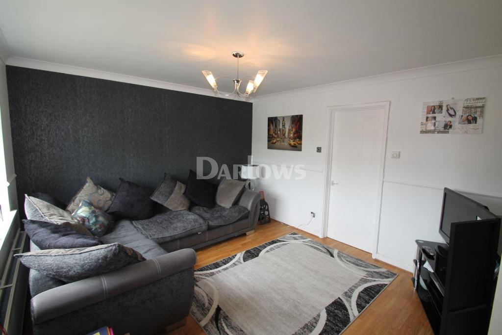 3 Bedrooms Semi Detached House for sale in Forest View, Mountain Ash