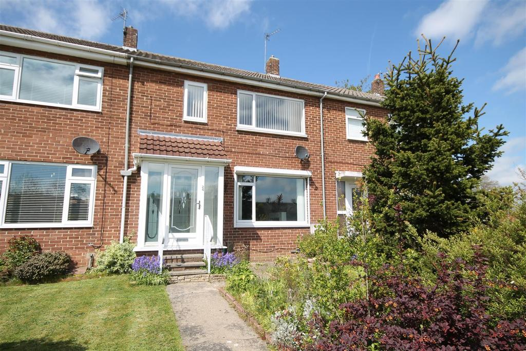 3 Bedrooms House for sale in Eden Drive, Sedgefield, Stockton-On-Tees